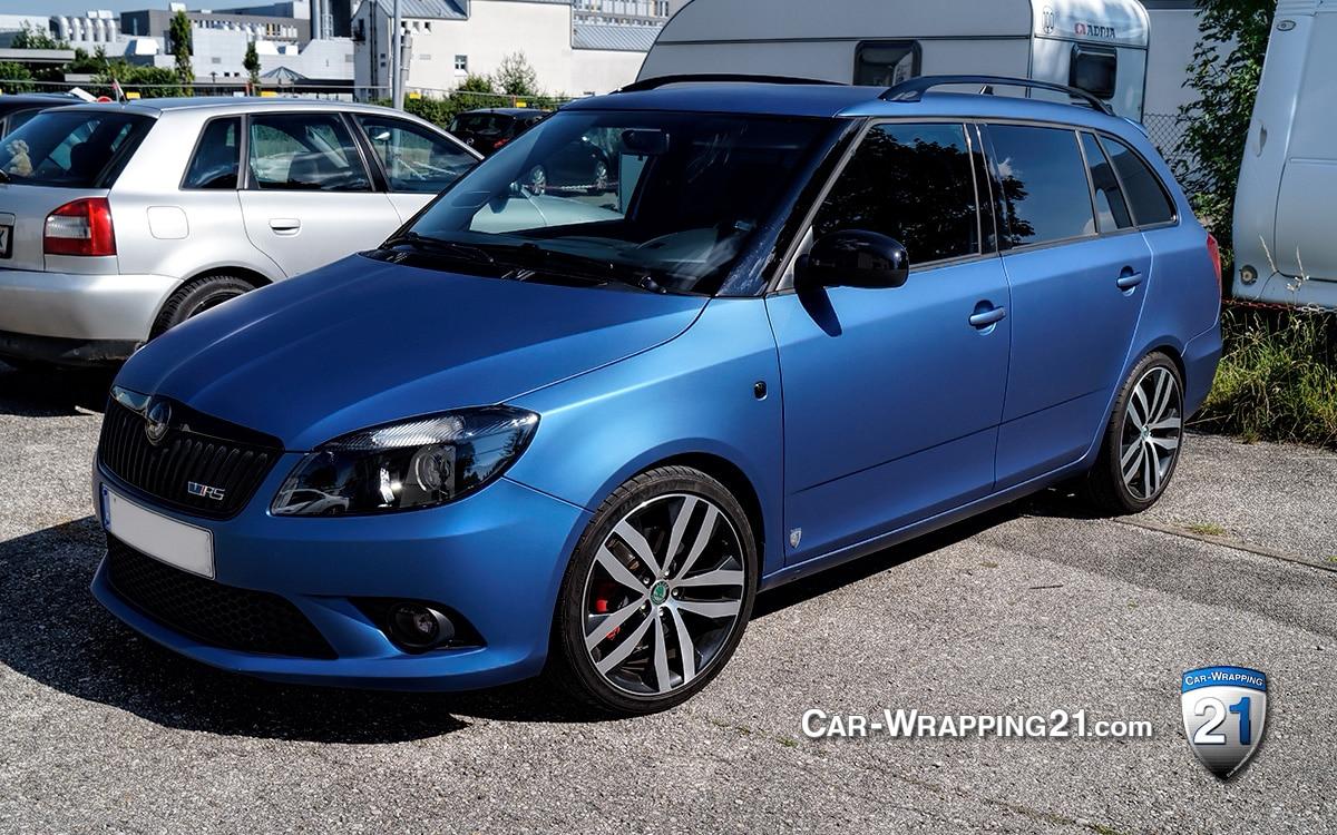 Auto Skoda Fabia Folie blau matt vorne