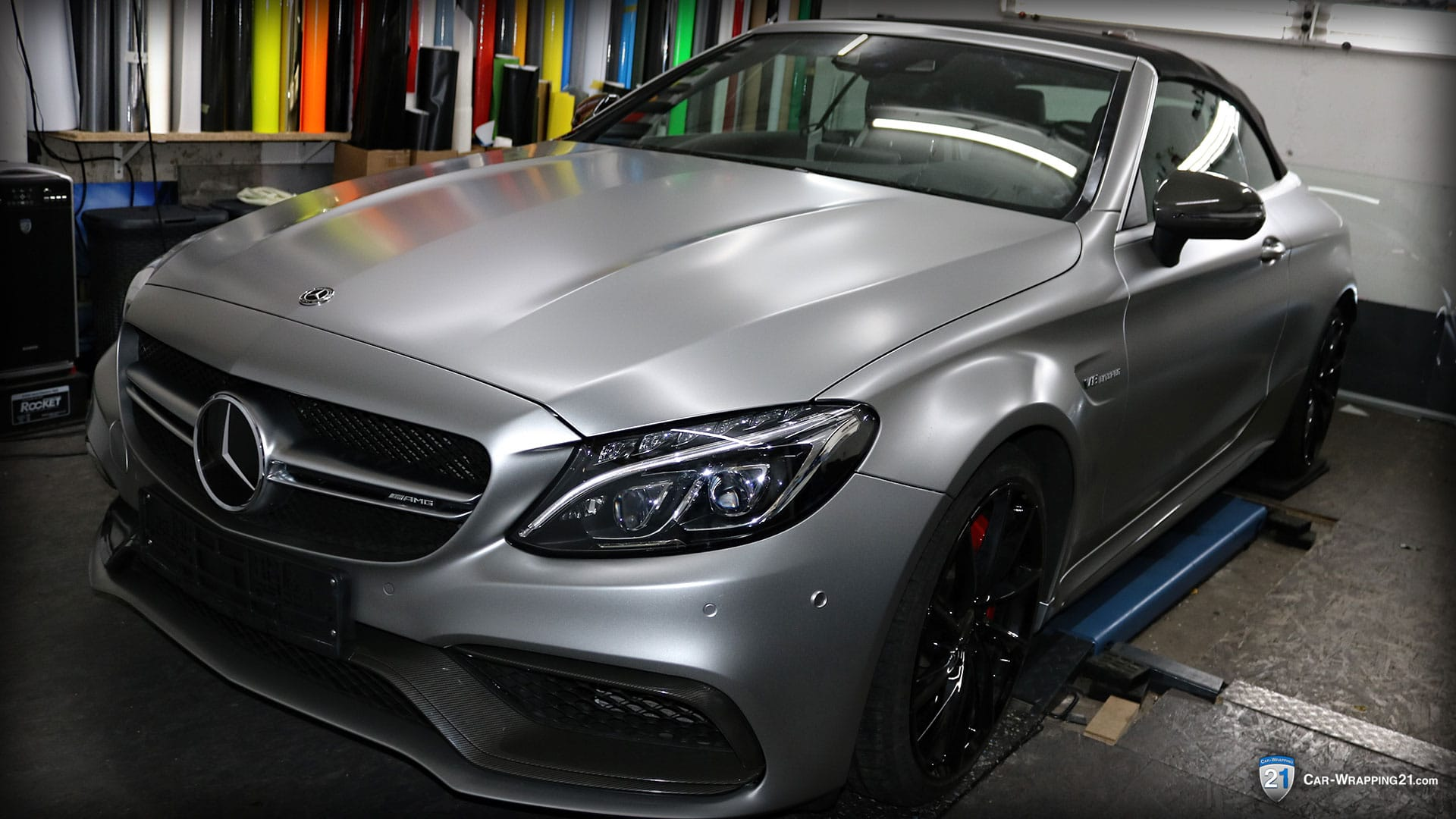 Mercedes-Benz-C63-Amg-Vollfolierung-Avery-Satin-Metallic-Light-Grey-Nachher-V8-Cabrio-2016